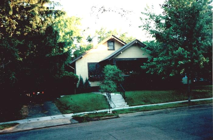 123 E Oak Street